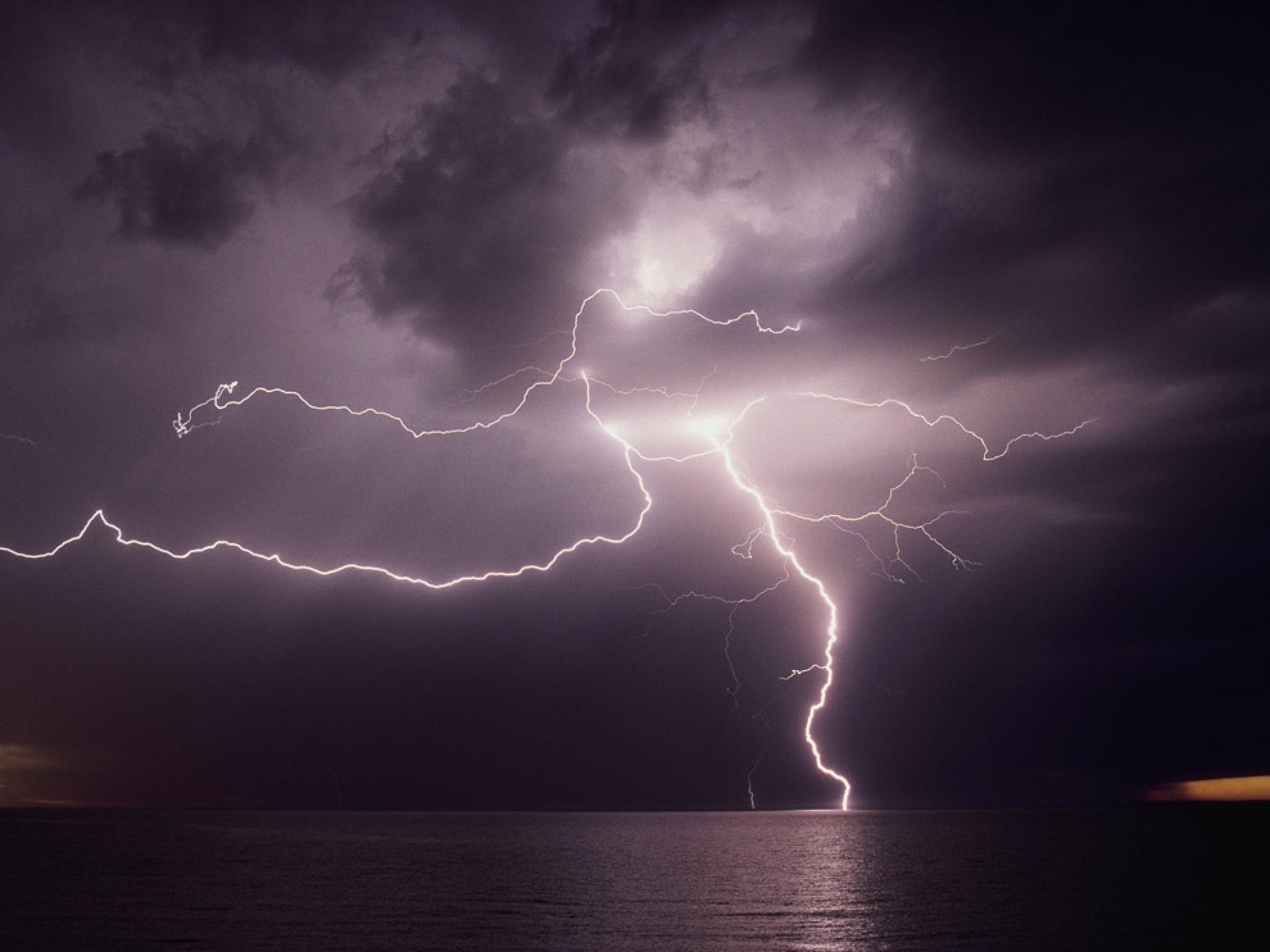 File: Lightning-Full HD Quality.jpg | Millard Novack